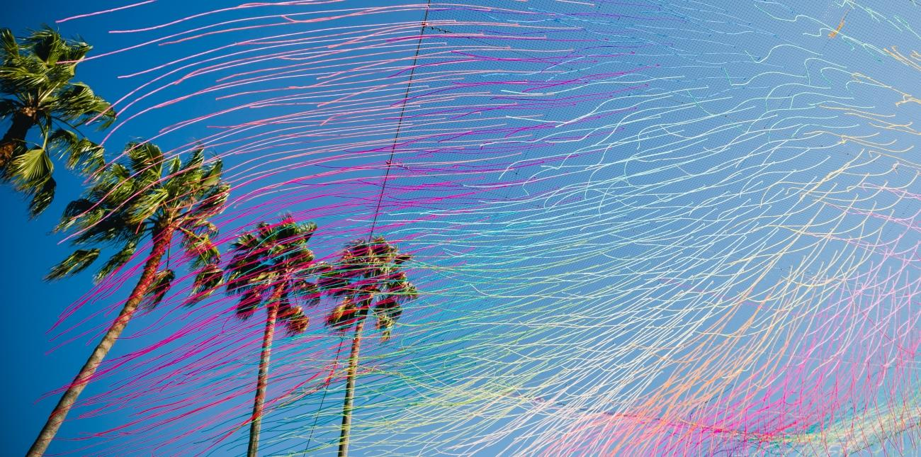 "ROAM Santa Monica, a Revolving Outdoor Art Series in Downtown Launches with ""Yarnbomber"" HOTTEA"